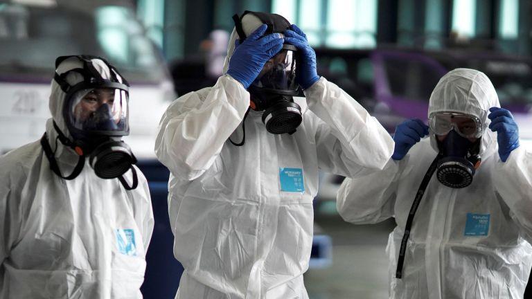 Κορωνοϊός : Καλπάζει η επιδημία πνευμονίας - Στους 722 οι νεκροί   tanea.gr