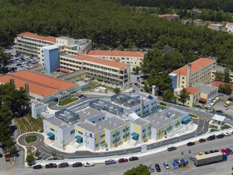 Ομογενής ευεργέτης δώρισε 1 εκατ. δολάρια στην ογκολογική κλινική του Παναρκαδικού νοσοκομείου | tanea.gr