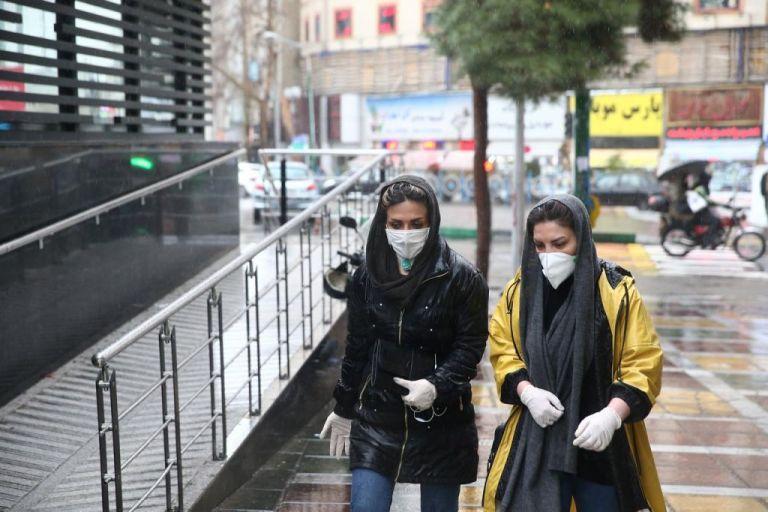 Κορωνοϊός : 43 νεκροί και 593 επιβεβαιωμένα κρούσματα στο Ιράν | tanea.gr