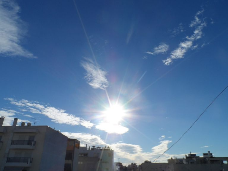 Καιρός : Λιακάδα την Τρίτη, αλλάζει το σκηνικό την Τετάρτη | tanea.gr