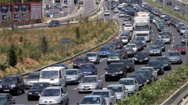 Κίνηση : Μποτιλιάρισμα στην Αθηνών Λαμίας λόγω τροχαίου | tanea.gr