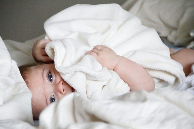 Πώς τα μωρά θα αποκτούν ΑΦΜ και ΑΜΚΑ από την ώρα που γεννιούνται | tanea.gr