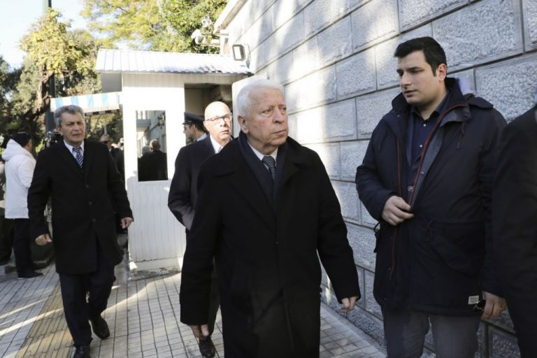 Ακυρώνει συνάντηση με Μηταράκη ο Μουτζούρης – «Ας μην περιμένει αδίκως»   tanea.gr