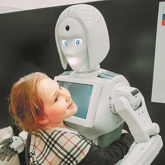 Παιχνίδι με ρομπότ, εργαστήρι με μάσκες | tanea.gr