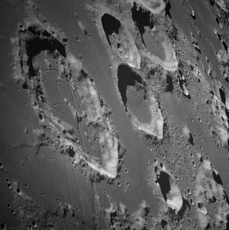 Νέα μέθοδος ανάλυσης πετρωμάτων της Σελήνης   tanea.gr