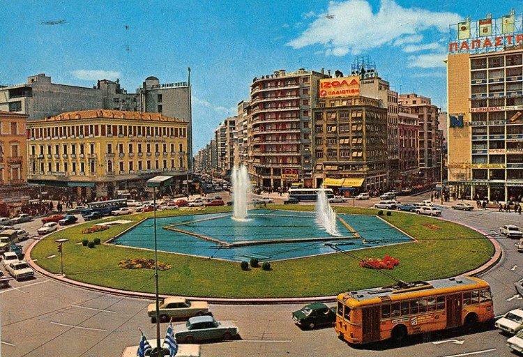 Ανάπλαση Ομόνοιας : Η νέα πλατεία θα έχει και... γκαζόν  Νέες εικόνες από την ανάπλαση | tanea.gr