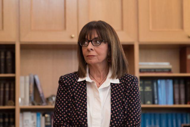 Σήμερα ορκίζεται η πρώτη γυναίκα Πρόεδρος της Δημοκρατίας – Πώς επηρεάζει τη διαδικασία ο κοροναϊός | tanea.gr