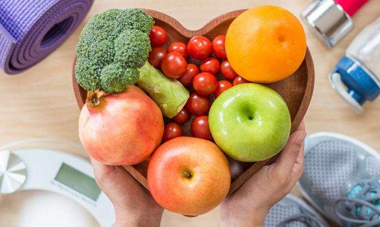 Κοροναϊός : Ο ρόλος που μπορεί να παίξει η διατροφή μας στην αντιμετώπισή του | tanea.gr
