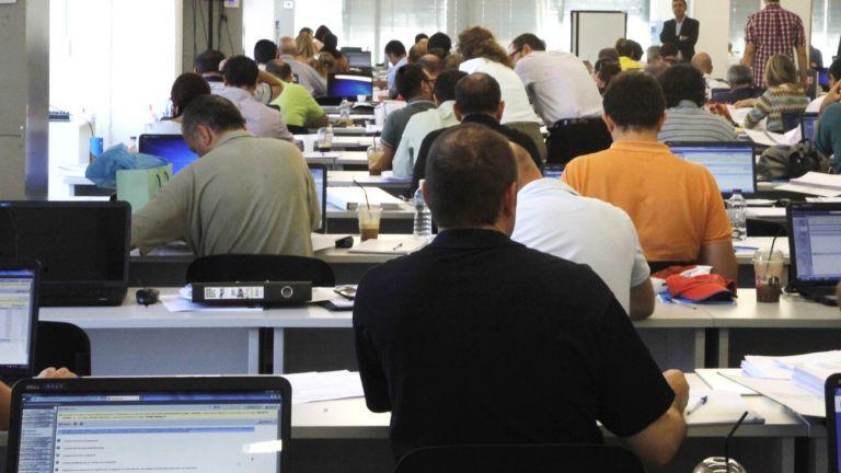 Κορωναϊός : Η διαδικασία για να λάβουν τα 800 ευρώ οι εργαζόμενοι   tanea.gr