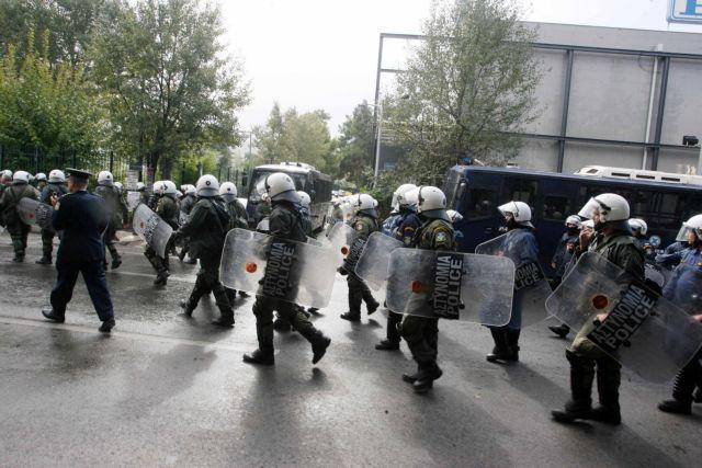 Κοροναϊος : Πρώτο κρούσμα στα ΜΑΤ – Σε καραντίνα 15 συνάδελφοί του | tanea.gr