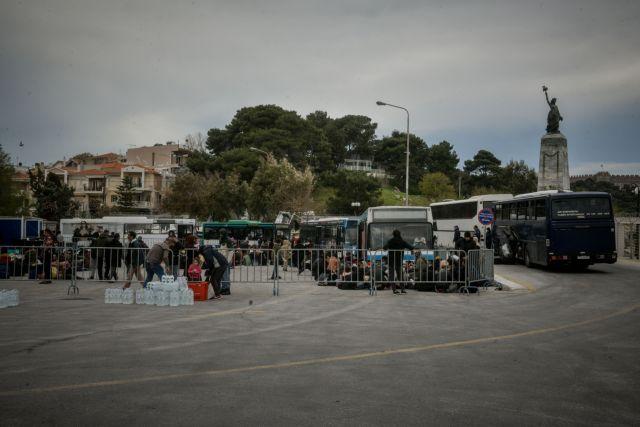 Επεισόδια με μετανάστες που ειδοποιήθηκαν να πάνε στο λιμάνι | tanea.gr