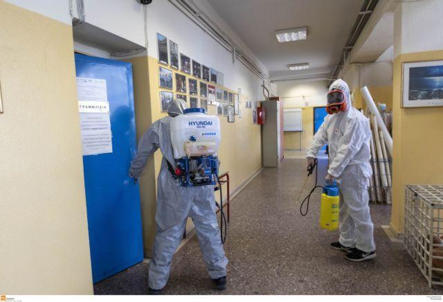 Κοροναϊός: Πώς αποφάσισε η κυβέρνηση να κλείσει σχολεία, πανεπιστήμια και φροντιστήρια | tanea.gr