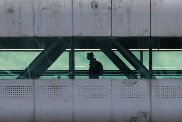 Κοροναϊός : Κλείνουν ή περιορίζουν την δραστηριότητά τους ευρωπαϊκά αεροδρόμια | tanea.gr