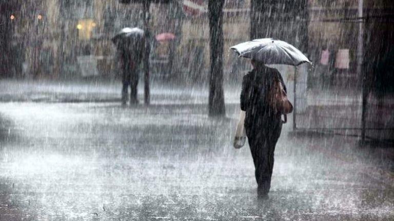 Ανατροπή σκηνικού: Βροχές, θυελλώδεις άνεμοι και πτώση της θερμοκρασίας | tanea.gr