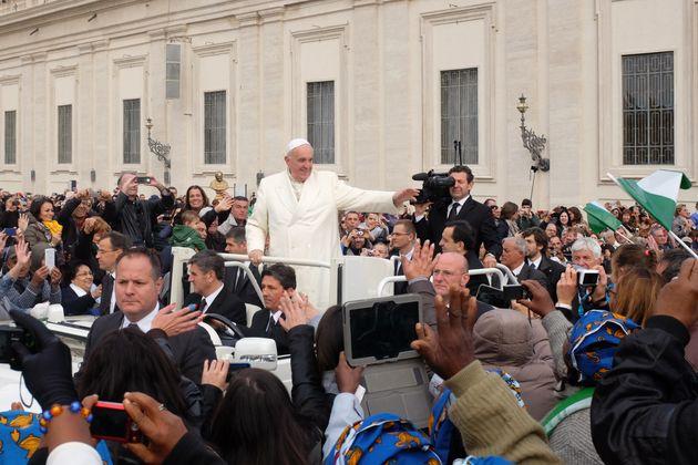 Κοροναϊός : Το Βατικανό δίνει πλήρη άφεση αμαρτιών σε όσους έχουν πληγεί από την πανδημία | tanea.gr