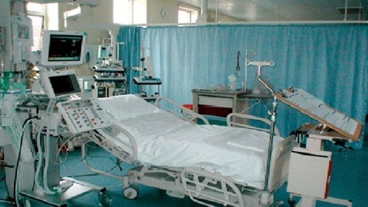 Διασωληνωμένος νοσηλεύεται ένας από τους ασθενείς με κορωναϊό   tanea.gr