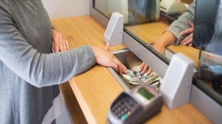 Κοροναϊός : Περιορισμοί στις συναλλαγές στα γκισέ των τραπεζών | tanea.gr