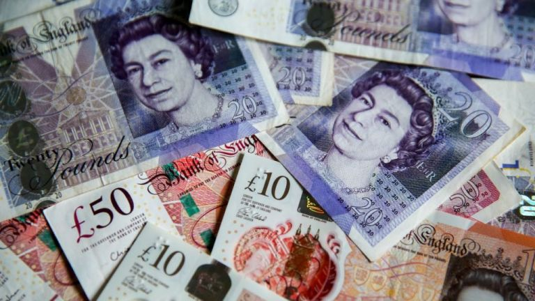 Ανευ προηγουμένου στήριξη της βρετανικής οικονομίας από τον Τζόνσον   tanea.gr