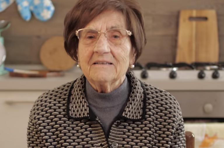 Κορωνοϊός : Ιταλίδα γιαγιά δίνει οδηγίες προστασίας και γίνεται viral | tanea.gr