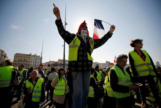 Κοροναϊός – Γαλλία : Τα «κίτρινα γιλέκα» αψηφούν τα μέτρα, η αστυνομία κλείνει το κέντρο του Παρισιού | tanea.gr