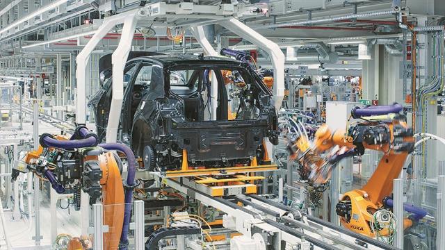 VW: Αναγκαστική άδεια για 80.000 εργαζόμενους   tanea.gr