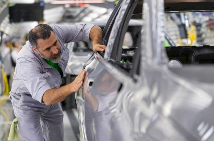Αυτοκινητοβιομηχανία: Σε κίνδυνο 100.000 θέσεις εργασίας λόγω της πανδημίας | tanea.gr