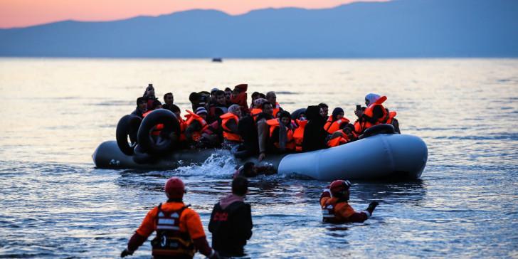 Ένα παιδί νεκρό σε βάρκα με πρόσφυγες στη Λέσβο | tanea.gr