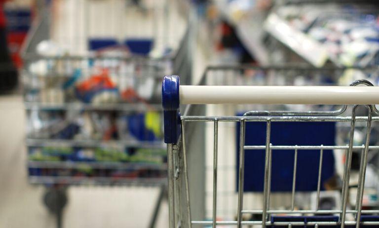 Κοροναϊός : Τι αλλαγές έφερε στις πωλήσεις τροφίμων | tanea.gr