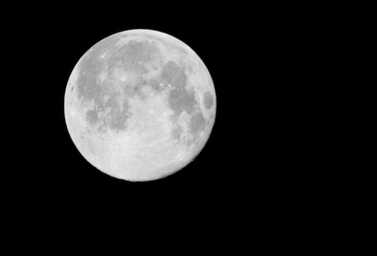 ΝASA : Πυρετώδεις προετοιμασίες για μεγάλη αποστολή στη σκοτεινή πλευρά της Σελήνης | tanea.gr