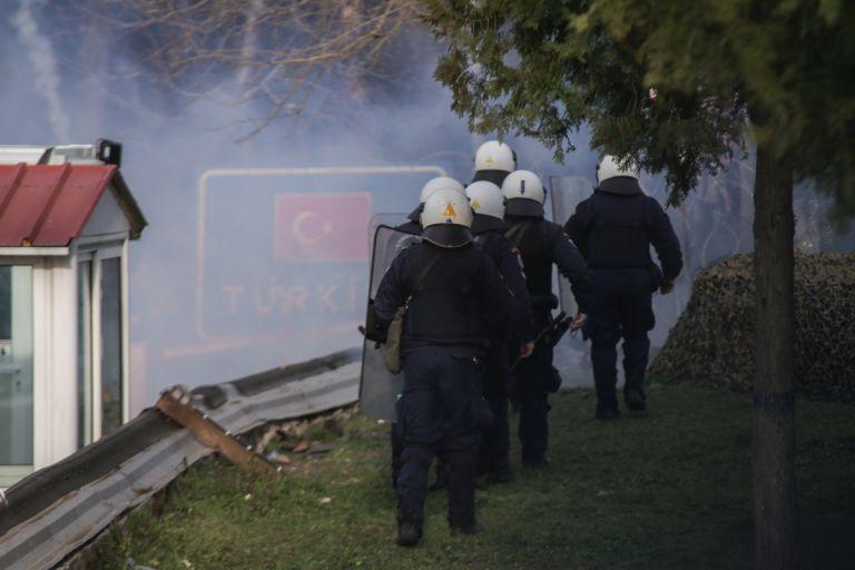 Προσφυγικό : Συνεδριάζει το ΚΥΣΕΑ - Ανησυχία για τα επεισόδια σε Έβρο και Λέσβο | tanea.gr