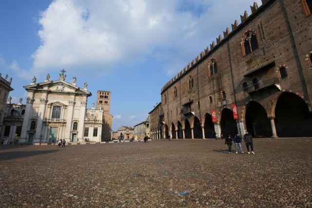 Σε απομόνωση κηρύσσει η Ιταλία όλη τη Λομβαρδία και άλλες 12 περιοχές   tanea.gr
