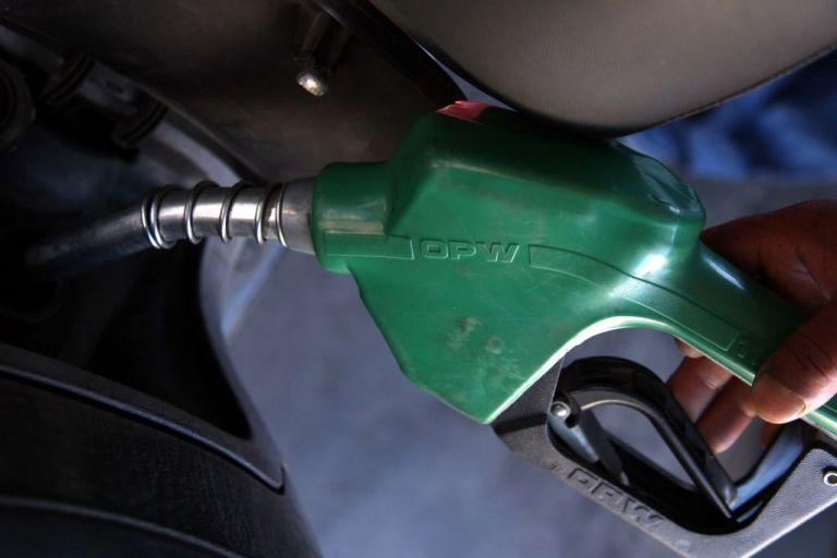Κοροναϊός : Ουρές στα πρατήρια καυσίμων - Καθησυχάζει το υπουργείο Ενέργειας | tanea.gr