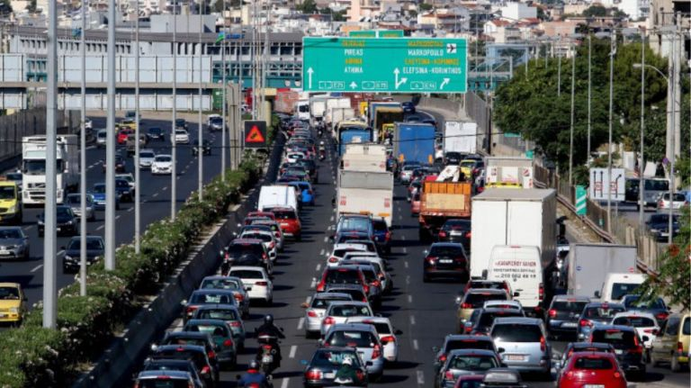 Απαγόρευση κυκλοφορίας : Μποτιλιάρισμα στον Κηφισό, λόγω ελέγχων της ΕΛ.ΑΣ. | tanea.gr