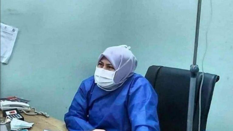 Ιρανή γιατρός με κοροναϊό φρόντιζε τους ασθενείς της μέχρι να πεθάνει | tanea.gr