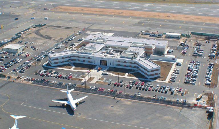 Ημουν επιβάτης της τελευταίας πτήσης από τις ΗΠΑ για Ελλάδα   tanea.gr