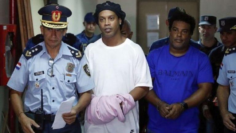 Στη φυλακή παραμένει ο Ροναλντίνιο | tanea.gr