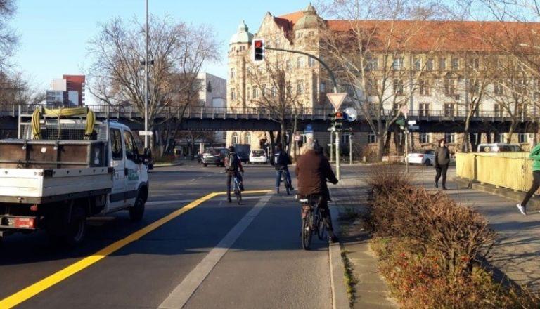 Στο Βερολίνο οι πρώτοι προσωρινοί ποδηλατόδρομοι λόγω κορωνοϊού | tanea.gr