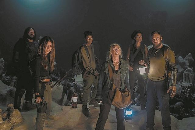 Διπλή πρόκληση για τους επιζώντες στα νέα επεισόδια της σειράς «The Walking Dead» | tanea.gr