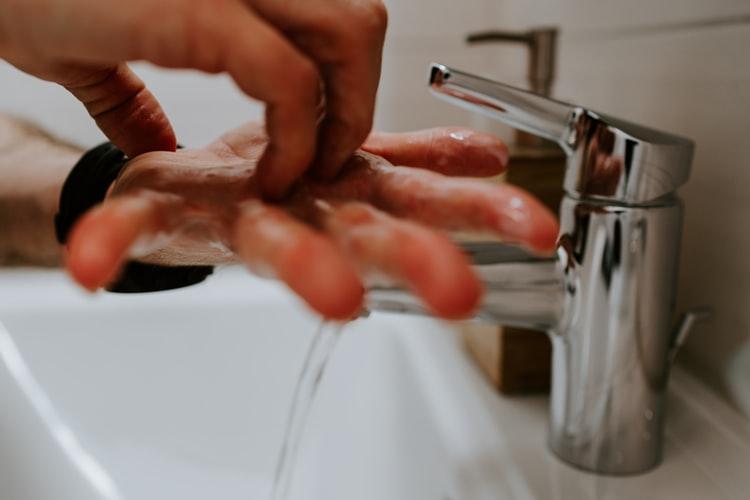 Κοροναϊός: Προσοχή σε αυτές τι κινήσεις όταν πλένετε τα χέρια σας! | tanea.gr