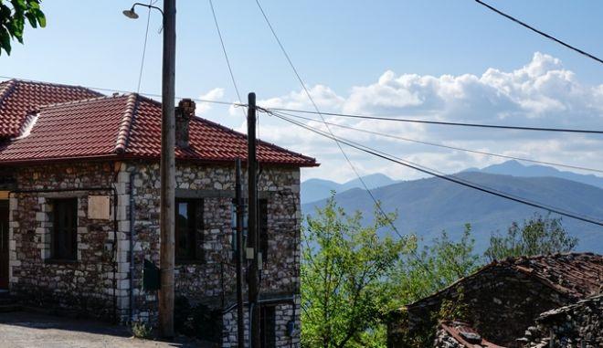 Κοροναϊός : Εξετάζονται όσοι εμφανίζουν συμπτώματα σε Δαμασκηνιά και Δραγασιά | tanea.gr