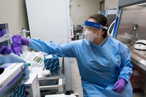Καθηγητής Γώγος: Ο κοροναϊός μπορεί να μείνει και μετά το 2022, σαν δεύτερη γρίπη | tanea.gr