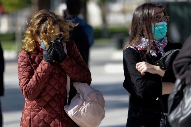 Κοροναϊός στην Ελλάδα : Ένας στους δύο πιστεύει ότι θα κολλήσει – Πώς κρίνουν οι πολίτες τα μέτρα της κυβέρνησης | tanea.gr
