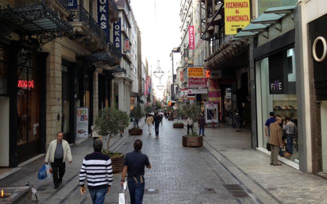 Γκρινιάζουν οι έμποροι για τη σταδιακή επαναλειτουργία των καταστημάτων | tanea.gr