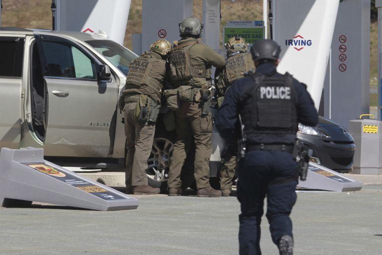 Καναδάς : Δεκαέξι νεκροί από τυφλή επίθεση ενόπλου | tanea.gr