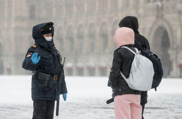 Κοροναϊός – Ρωσία: Το 40% των κρουσμάτων της ημέρας στη Μόσχα είναι 18-45 ετών   tanea.gr