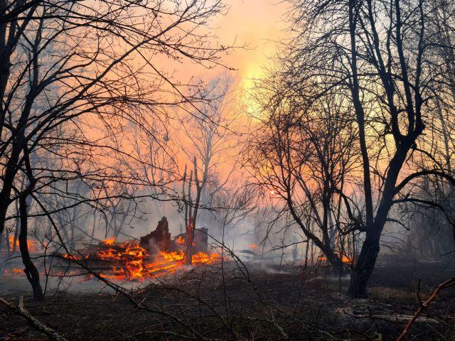 Τσερνόμπιλ: Μαίνεται η πυρκαγιά – Αυξημένα επίπεδα ραδιενέργειας | tanea.gr