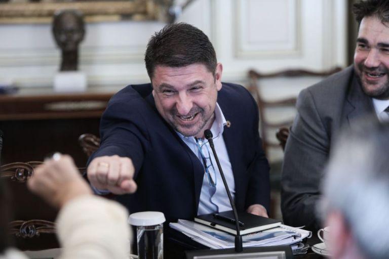Νίκο Χαρδαλιά, χαλάρωσε λίγο. Δεν είσαι χωροφύλακας στα τρομαγμένα γεροντάκια | tanea.gr