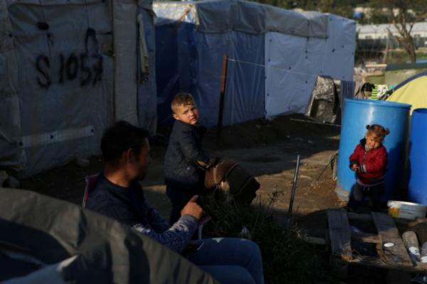 Κοροναϊός : Τι θα γίνει με τη μεταφορά προσφύγων στην ενδοχώρα – Φόβοι για τεράστια διασπορά του ιού στα καμπ | tanea.gr