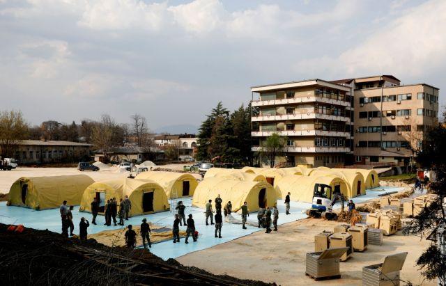 Βόρεια Μακεδονία: Σε υποχρεωτική καραντίνα ο πρωθυπουργός | tanea.gr