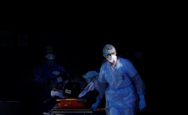 Κορωνοϊός: 987 νεκροί σε μια μέρα στη Γαλλία | tanea.gr